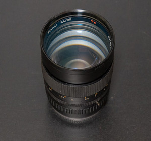 Carl_zeiss_planar_t_85mm__f14_1